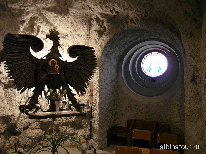 Пещерная церковь образ Ченстоховской Божьей Матери.