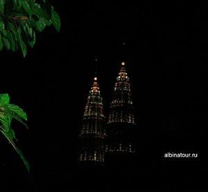Куала-Лумпур Малайзия вечером