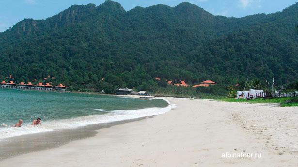 Лангкави Отель Mutiara Burau Bay береговая полоса