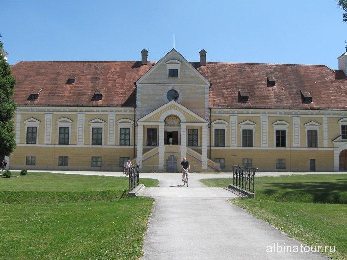 Германия Вид Старого/Altes Schloss дворца Шляйсхайм Мюнхен