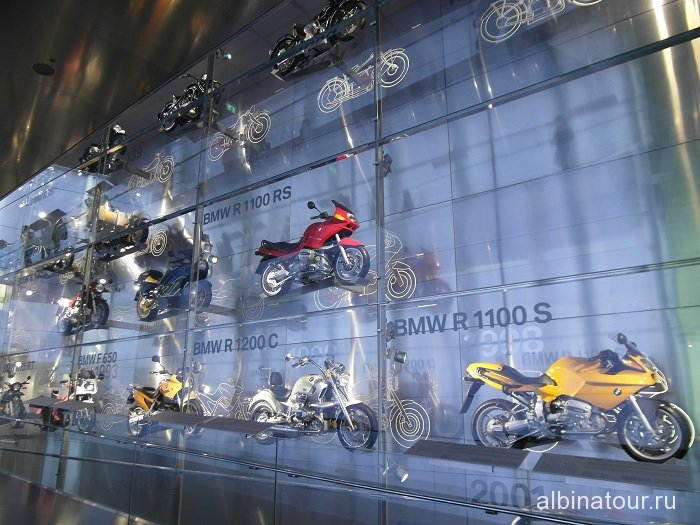 Германия стенд  мотоциклов