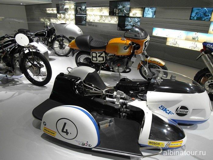 Германия спортивные мотоциклы в музее БМВ