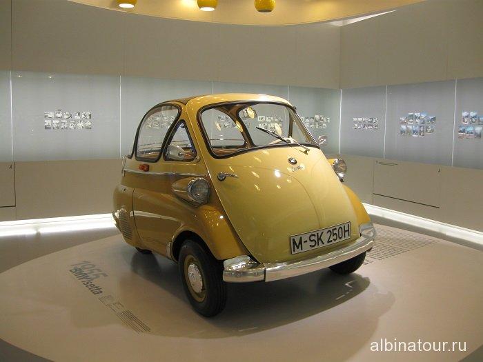 Германия  BMW Isetta музей БМВ Мюнхен