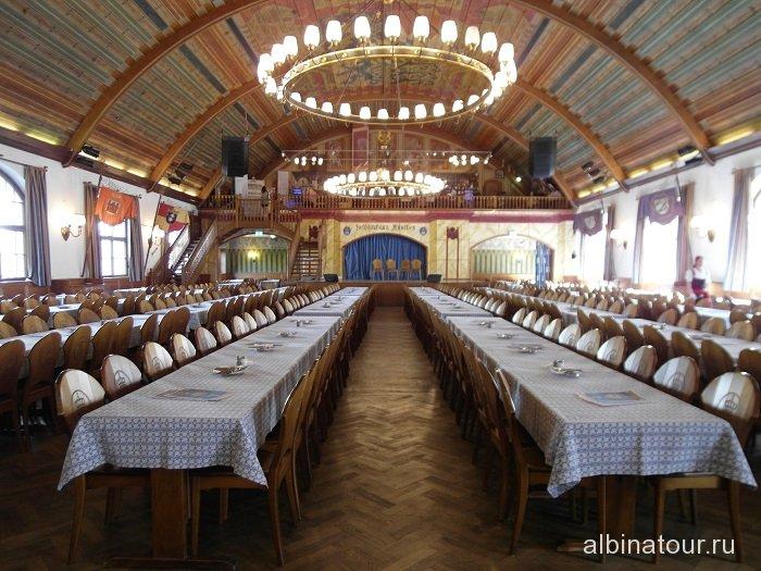 Бавария итерьер пивного ресторана Хофбройхаус / Hofbräuhaus