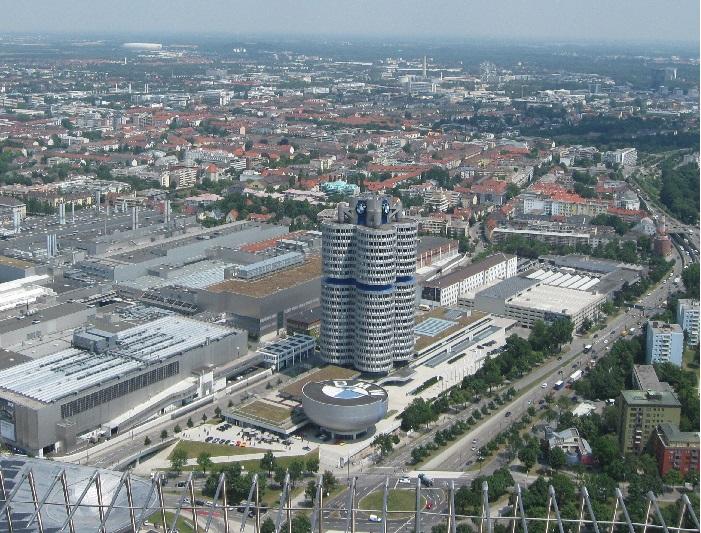 Германия штаб-квартира БМВ и музей БМВ в Мюнхене