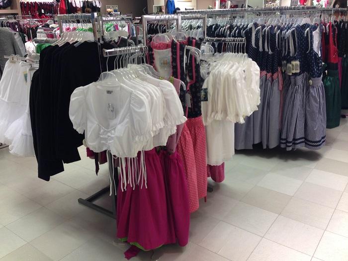 Германия магазин с национальной одеждой