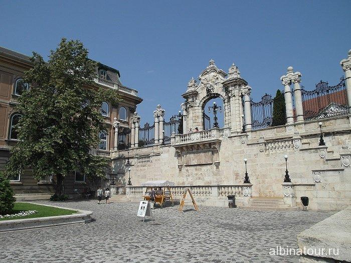 Венгрия Будапешт королевская лестница