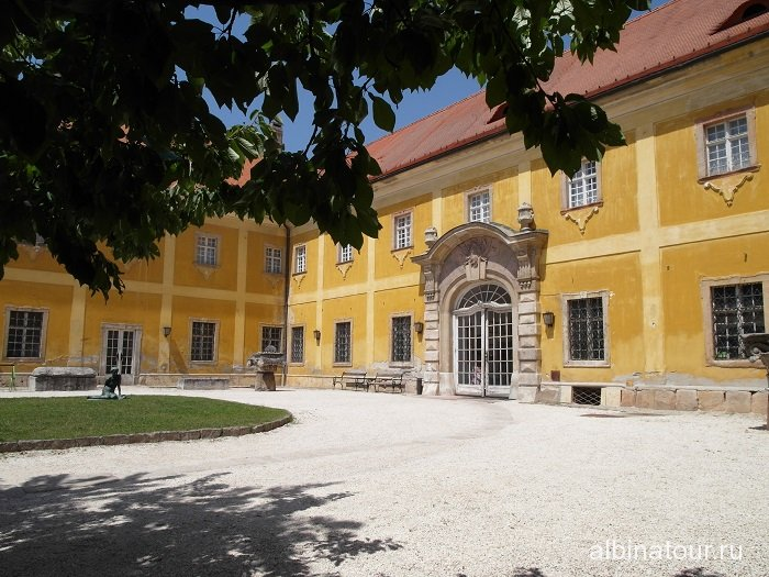 Венгрия Будапешт дворец Кишцелли