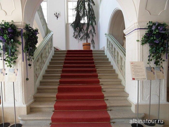 Венгрия Будапешт дворец Сисси / Godolloi Kiralyi Kastely лестница