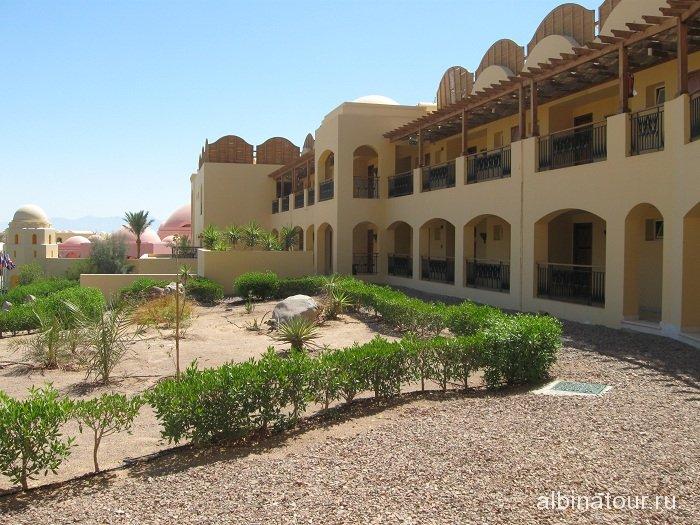 Египет   Таба коридор перед номером  в отеле  Софитель 14