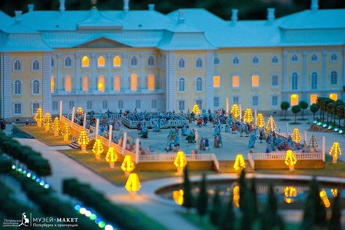 Фото бала ночью в Санкт Петербурге в музее Петровская Акватория