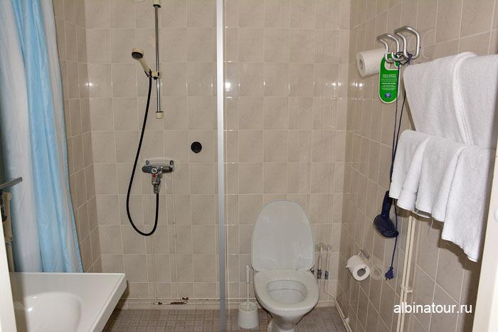 Финляндия Иматра ванна в номере  на втором этаже  отеля Vuoksenhovi