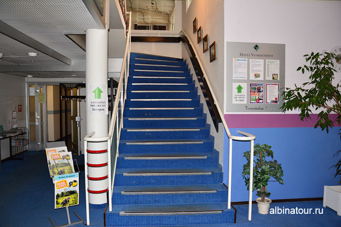 Финляндия Иматра лестница в ресторан на второй этаж  отеля Vuoksenhovi