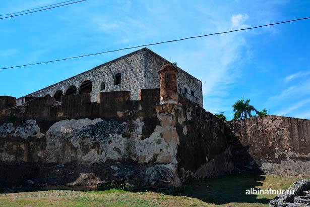 Санто-Доминго крепостная стена