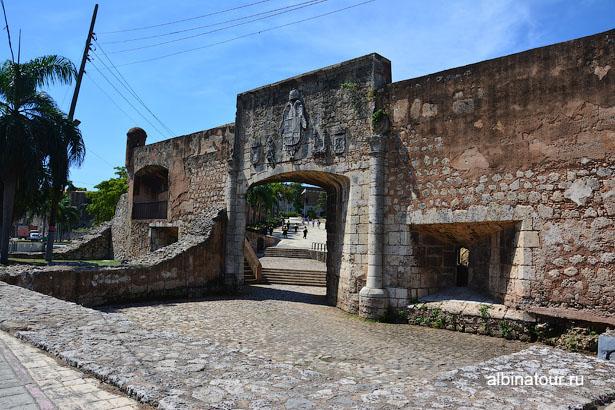 Санто Доминго ворота Сан Диего