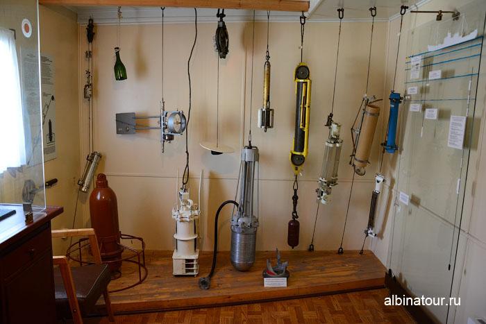 Калининград музей мирового океана судно Витязь комната с буями