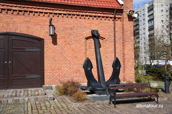 Калининград музей мирового океана Выставочный корпус Пакгауз якорь
