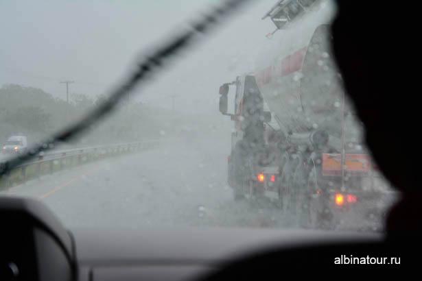 Доминикана дождь по дороги из Санто-Доминго 2