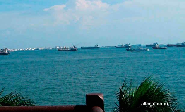 Вид на Сингапурский пролив