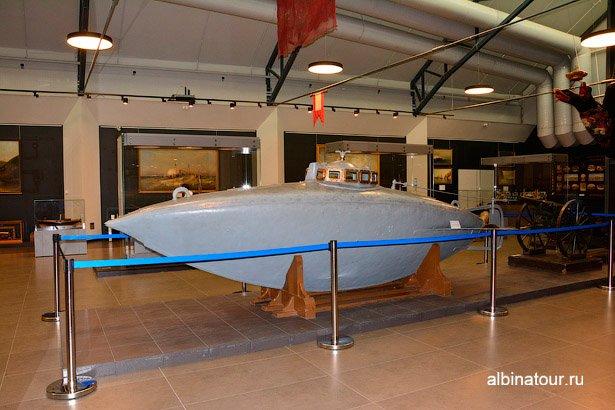 Экспонат подводная лодка Военно-морской музей