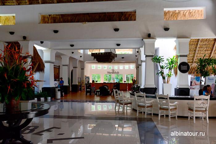 Лобби холл на против ресепшен в отеля Be Live Collection Canoa