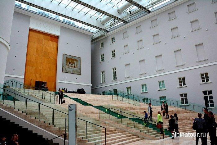Главный штаб Санкт Петербург парадная лестница