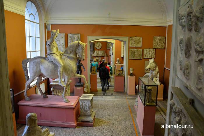 Античные скульптуры музей Академии художеств в СПб