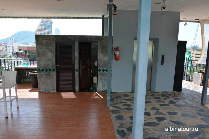 Фото лифта бассейна отеля The Three By APK 3