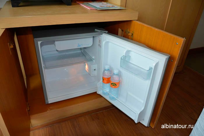 Фото холодильника номера отеля The Three By APK 3* Пхукет