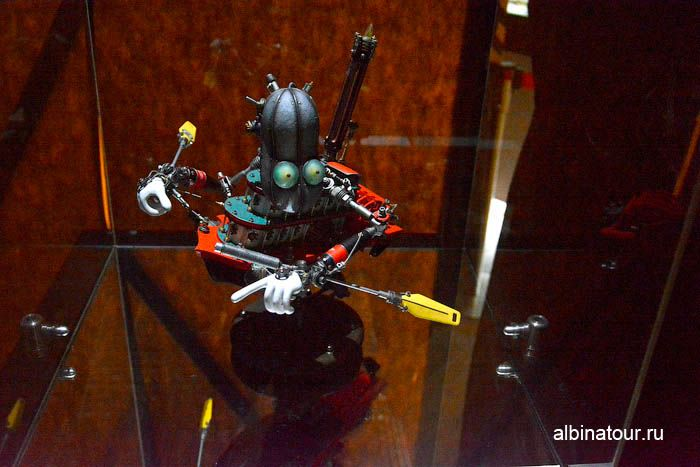 Фото Экспонат Робобот Дзуко планета Дизел
