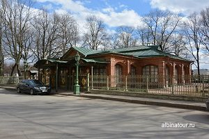 Музей летний домик Петра 1 в Санкт Петербурге