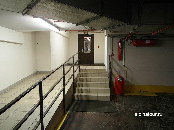 Фото выход из подземного паркинга ForRestmix club | Форрестмикс клуб Репино