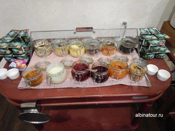 Фото мёд и джем в ресторане Biskvit ForRestmix club | Форрестмикс клуб в Репино Санкт Петкрбург