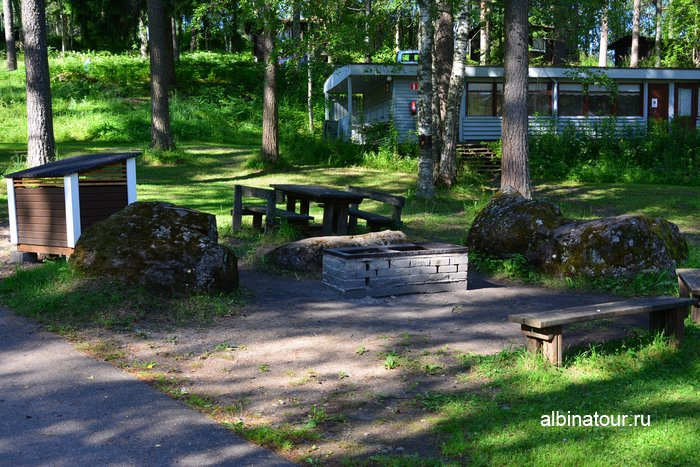 Фото место для барбекю в кемпинге Хухтинием | Huhtiniemi camping в Лаппеенранте