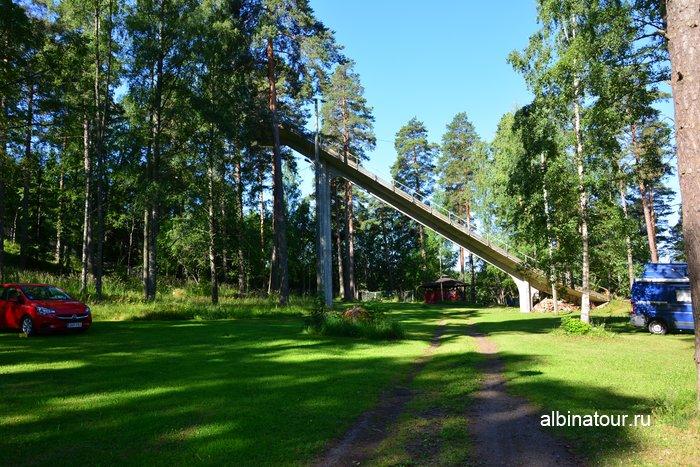 Фото старый трамплин на территории в кемпинге Хухтинием | Huhtiniemi camping в Лаппеенранте