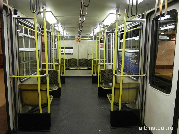 Будапешт вагон метро внутри