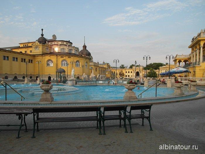 Венгрия Будапешт открытая часть купальни Сечени.