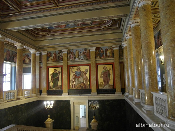 Венгрия Будапешт Венгерский национальный музей интерьер.