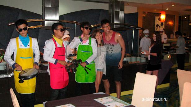 Бангкок Baiyoke Sky ресторан на 76 этаже шоу