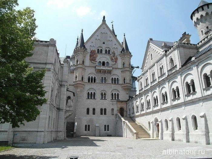 Германия внутреняя часть замка Нойшванштайн