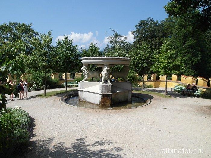 Германия фонтан в замке Хоэншвангау