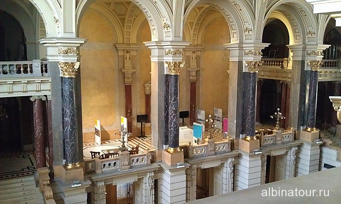 Венгрия интерьер Этнографического музея Будапешт