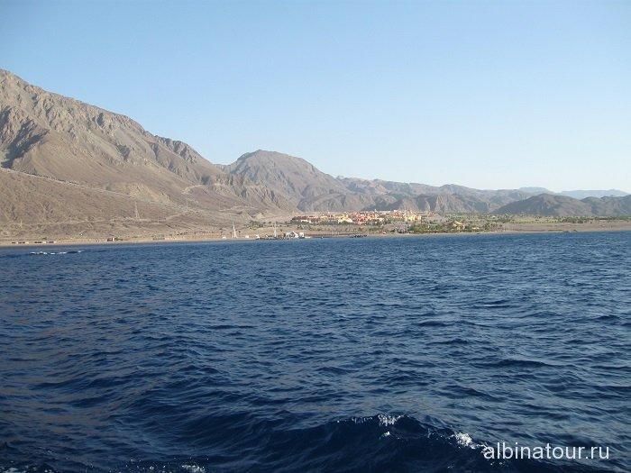 Египет вид с моря на город Таба