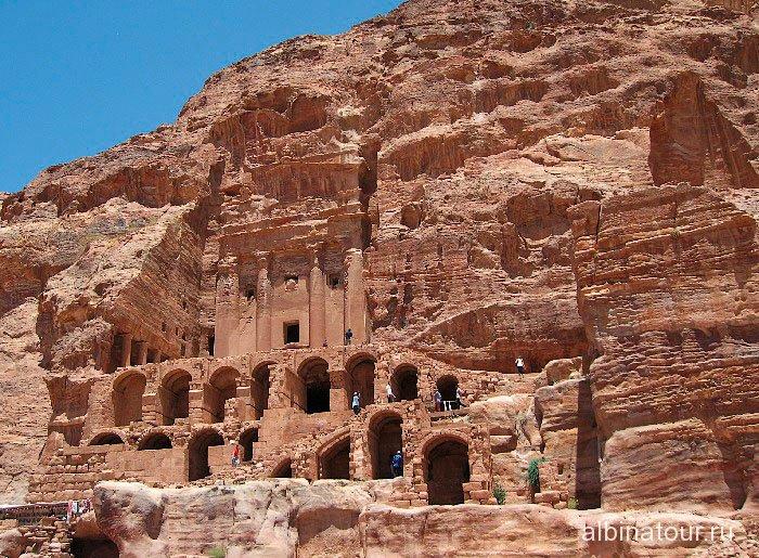 Иордания Петра Urn Tomb