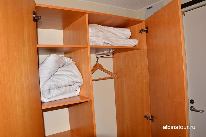 Финляндия Иматра шкаф в номере на втором этаже отеля Vuoksenhovi