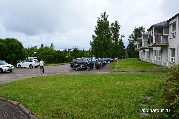 Финляндия Иматра парковка налево от ресепшен у отеля Vuoksenhovi