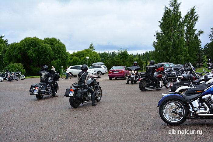 Финляндия Иматра отъезд байкеров от отеля Vuoksenhovi