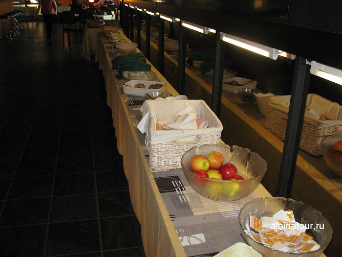 Финляндия Иматра завтрак в ресторане на втором этаже отеля Vuoksenhovi 3