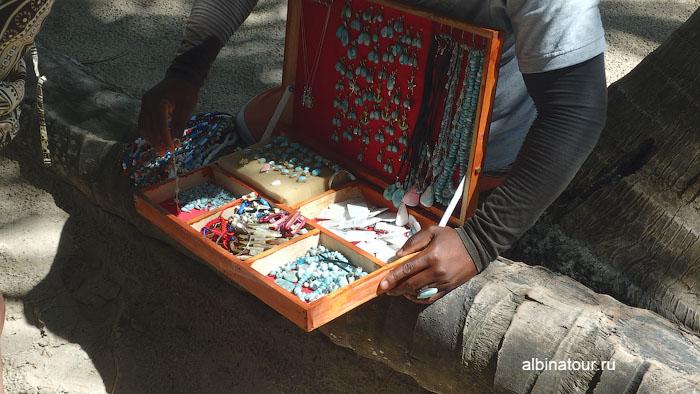 Доминикана остров Saona продажа сувениров и украшений