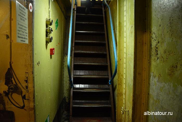 Калининград музей мирового океана судно Витязь лестница